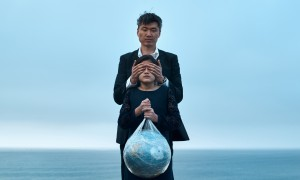 sa_1593749598_man-covering-eyes-of-girl-with-globe-in-plastic-bag-4310290